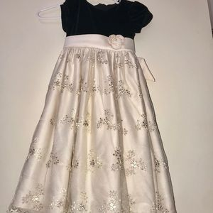 Girls Very Formal Poofy Dress